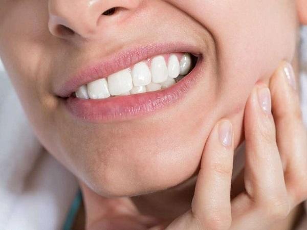 thói quen xấu ảnh hưởng đến răng